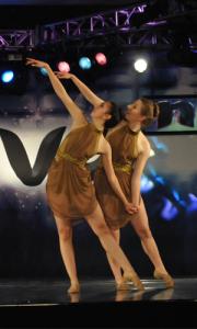 kathie-raquel-dancing